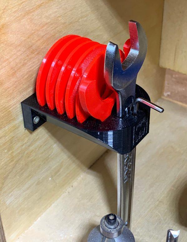 Ringhalter für die Einlegeringe der Fräsplatten Bosch GKF 12V Mini-Frästischset